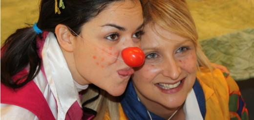 Istantanea da uno dei nostri corsi per OSS: esercitazione di clownterapia
